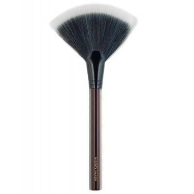 Kevyn Aucoin. The Large Fan Brush.